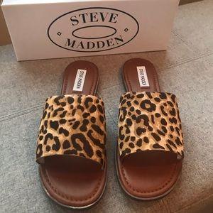 STEVE MADDEN LEOPARD SLIDES